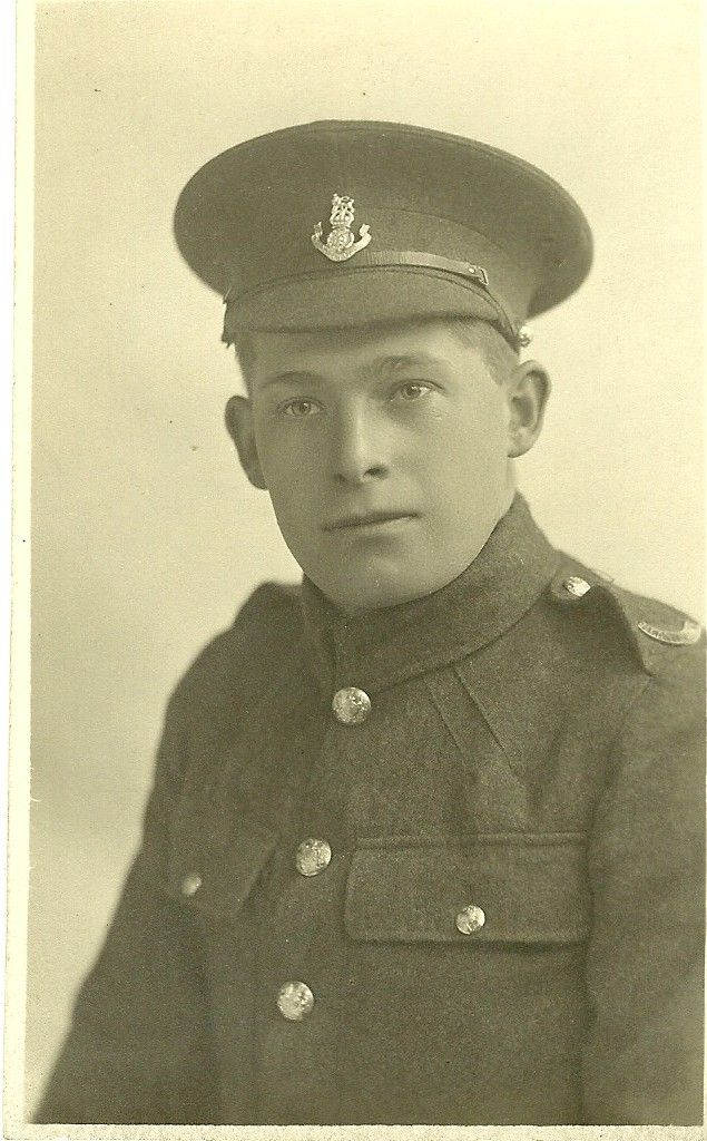 An unidentified soldier of the Loyal North Lancashire Regiment. Thanks to Roger Morlidge #WW1 #WW1Centenary