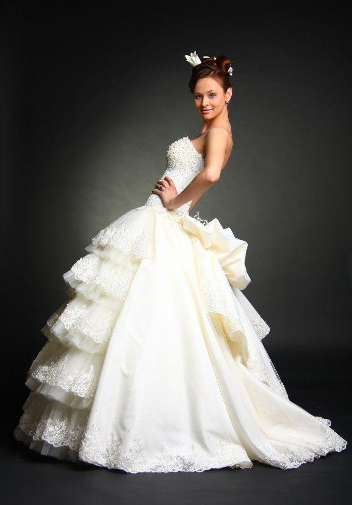 Стили свадебных платьев: как выбрать «своё» свадебное платье