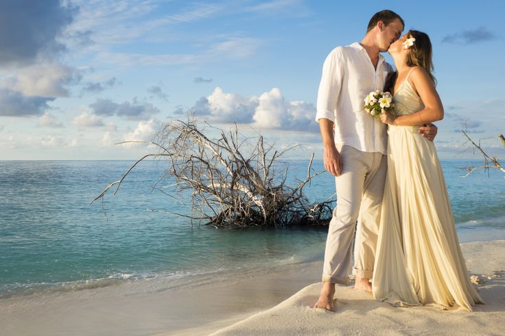 The perfect backdrop for that special day. Visit: www.denisisland.com/ Email: info@denisisland.com Tel : + 248 4288963 Fax : + 248 4321010