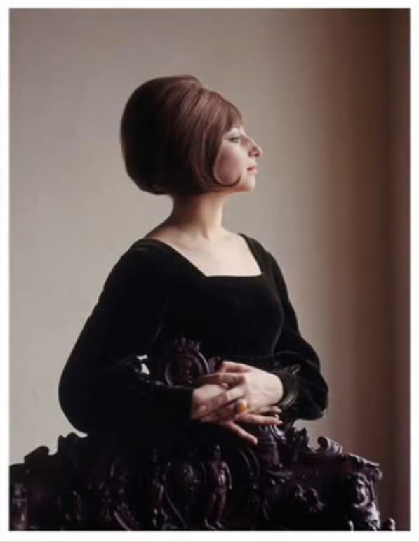 Barbra Streisand with perfect bobbed hair and a gorgeous chair. This makes me happy.: Fave Pin, Barbara Streisand, Beautiful Jew, Go To Barbra, Beautiful People, Culturedecad 19601964, Milton Greene, Photo, Barbra Streisand