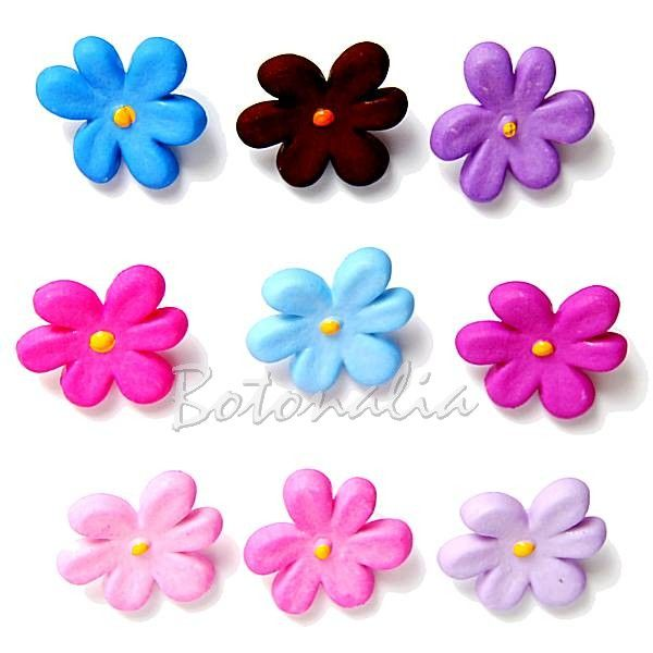 Violetas de Primavera - 9 botones para manualidades, patchwork y scrapbooking, con anilla posterior.