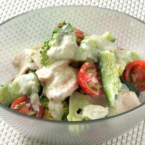 たたききゅうりと鶏肉のサラダ
