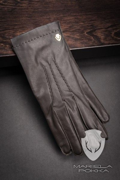 Machine Stitched Glove by Mariela Pokka made of reindeer leather