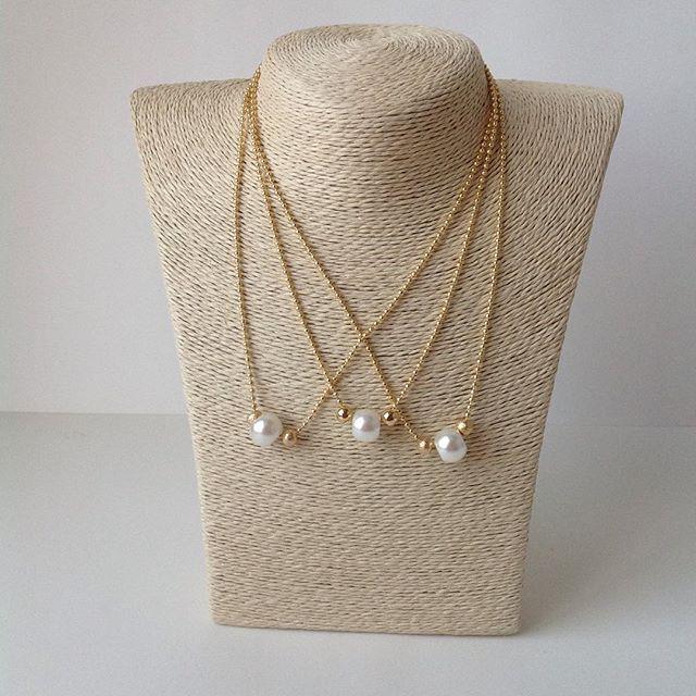 Collares de cadena militar con baño de oro y perla disponible #enfemeninoaccesoriospty #modapty ...