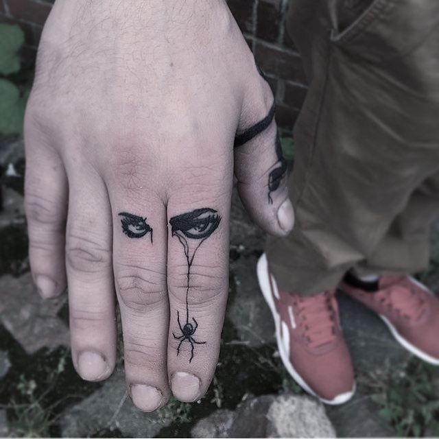 Eye Tattoo Artist: EQUILATTERA  Private Tattoo Studio