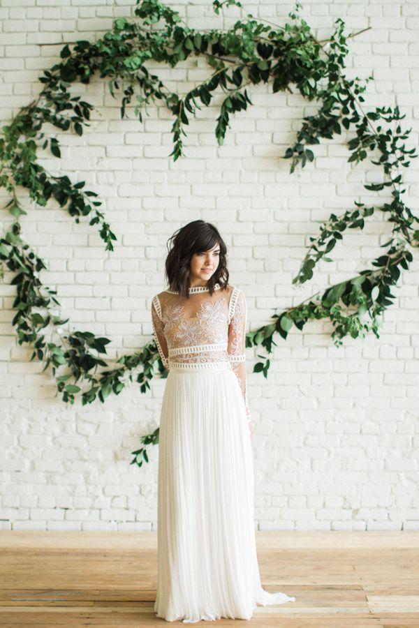 bright and romantic bridal inspiration - photo by Carolann Morgan Photography http://ruffledblog.com/bright-and-romantic-bridal-inspiration