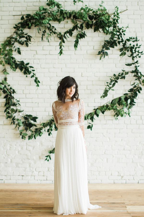 bright and romantic bridal inspiration - photo by Carolann Morgan Photography http://ruffledblog.com/bright-and-romantic-bridal-inspiration