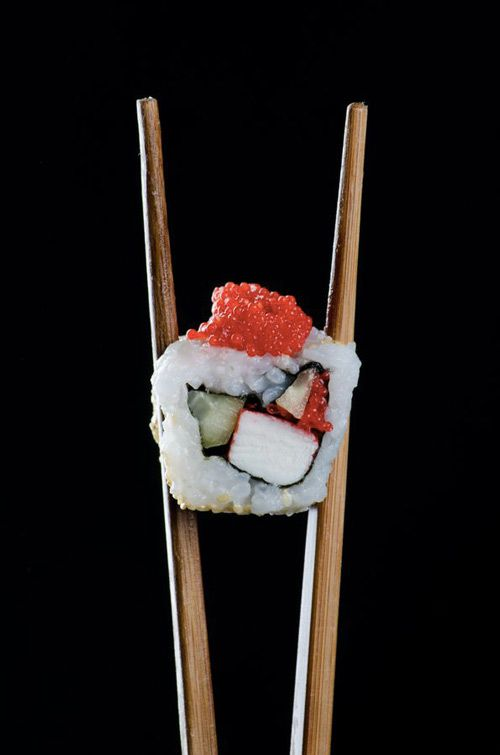 sushi e bacchette giapponesi