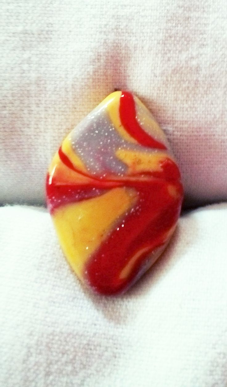 Bague en Fimo jaune, rouge et argent. Opale Isis, Christine Monsion