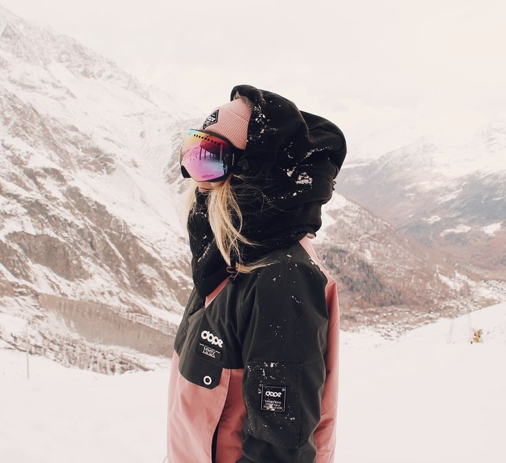 Snowboard style Wanna see more snowboards stuff? Just tap visit buttons! #snowboard #mountains
