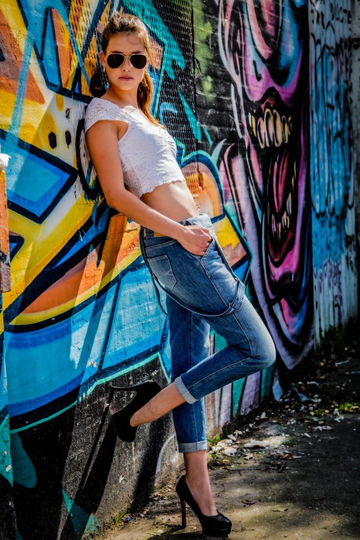 Emilie and I went down town Copenhagen to shoot on a graffiti background. Just a day out in the sun, with lots of fun.