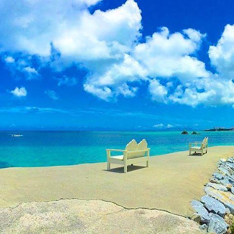 【tingara_nana】さんのInstagramをピンしています。 《🌴ラマダルネッサンスリゾート🌴 ・ #okinawa #沖縄 #リザンシーパークホテル谷茶ベイ #海 #beach #夏 #summer #夕日 #sunset #ハイビスカス #三線 #エイサー #スタバ #starbucks #カフェ #沖縄フォト祭り #ティンガーラ #ラマダルネッサンスリゾートオキナワ #過去pic》