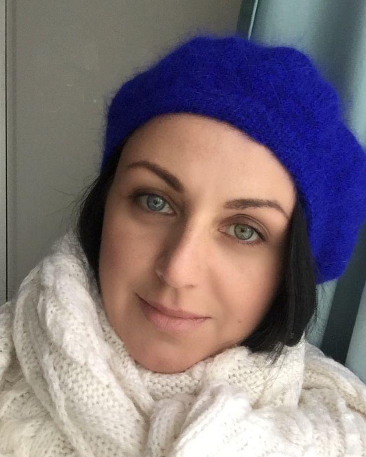 53 отметок «Нравится», 2 комментариев — ДЖЕМПЕР   БЕРЕТ #вналичии_bbk (@bluebottle.knit) в Instagram: «С понедельником! И всем доброе утро! Сегодня представляю берет сочного синего цвета ( ультрамарин).…»