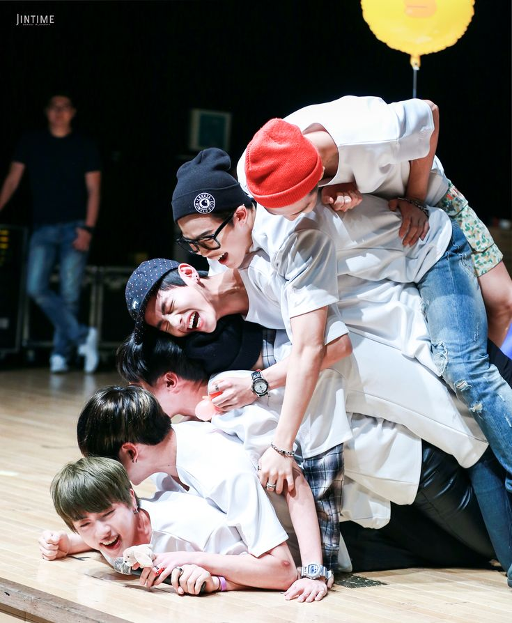 [Picture/Fansitesnap] BTS Fansigning 3rd mini album 화양연화 pt.1 at Apgujeong [150524] | btsdiary