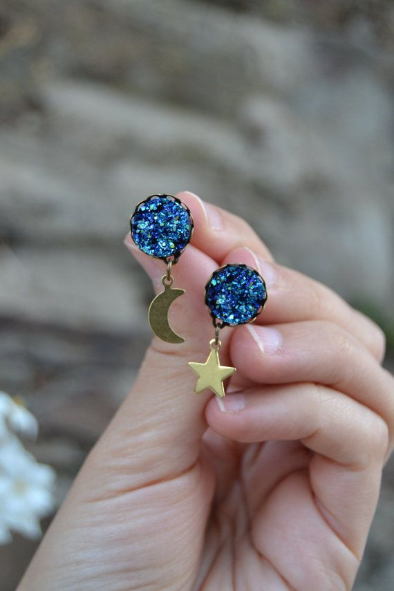 Sparkling peacock / sapphire blue druzy stud earrings with golden brass dangling moon and star by Valkyrie´s Song