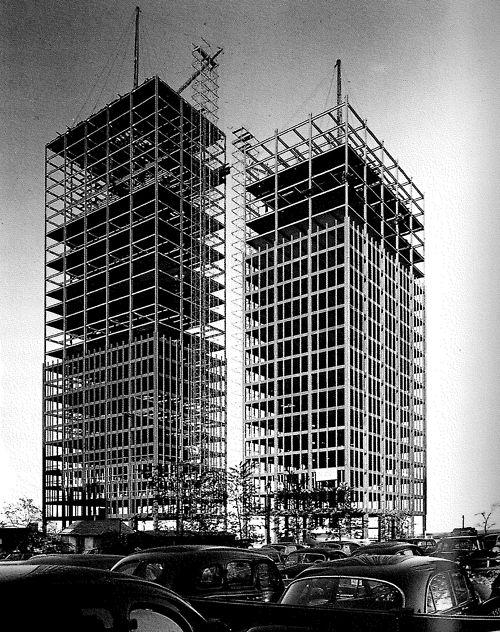 LUDWIG MIES VAN DER ROHE    LAKE SHORE DRIVE APARTMENTS UNDER CONSTRUCTION, 1950