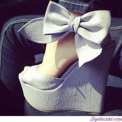 Bows and wedges.