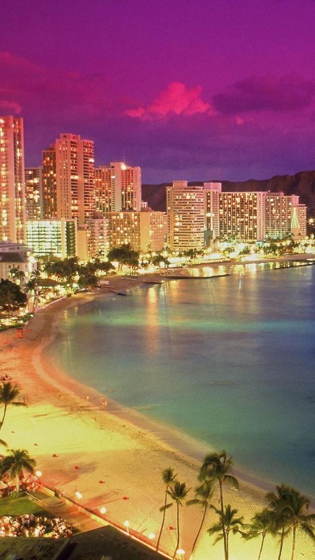Waikiki Beach, Oahu, Hawaii, Coastline, Dusk, United States. Look at that pink sky! Ahh!