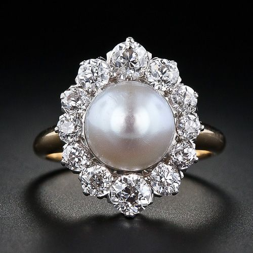 This has to be one of the most beautiful antique pearl rings I have everrrrr seen!!!