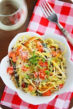 Pasta Primavera - With a sprinkling of fragrant fresh basil, a side of salad and a glass of white wine (Pinot Grigio is a good pairing!), this pasta primavera made a perfectly easy and delicious weeknight meal.