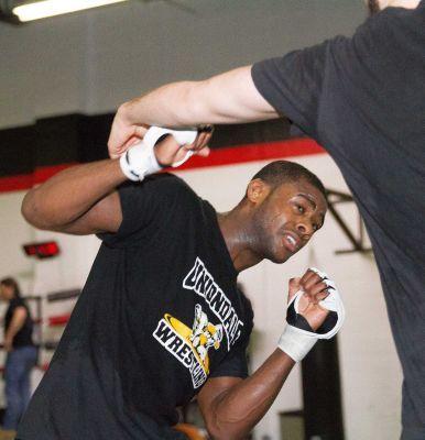 Uniondale's Aljamain Sterling wins UFC debut