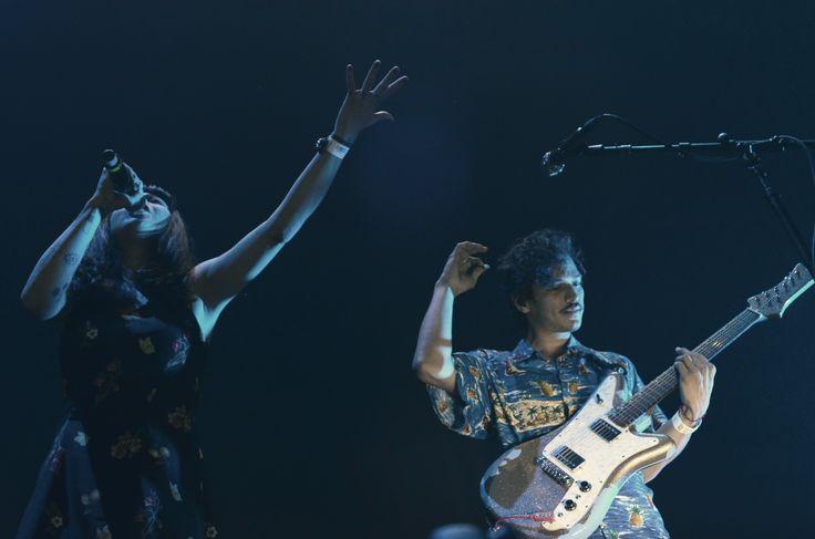 La cantautora, actriz, músico, compositora y filántropa, Mon Laferte, y el músico oriundo de Sonora pero hijo adoptivo de Guadalajara, Caloncho, unirán fuerzas para dar vida al Mon La Fruta Tour.