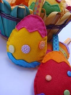 Easter eggs: Fantastic Felt, Chocolates, Felt Ornaments, Felt Fun, Felt Easter, Easter Eggs, Felt Feelings It Mak, Crafts Felt, Easter Ideas