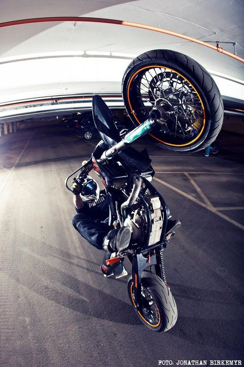 Supermoto stuntin Professional Motorcycle Fairing & Aftermarket Parts Online Retailer in China.Welcome to Visit us: http://www.neverland-motor.com/