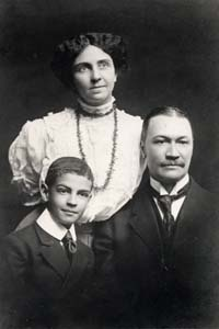 racism in the wife of his youth by charles wadell chesnutt ←author index: ch, charles waddell chesnutt  activist best known for novels  and short stories exploring racism and other social themes  the marrow of  tradition (1901) the wife of his youth and other stories of the color.