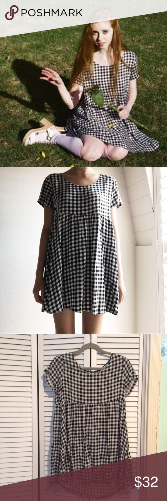 Checkered American Apparel Dress Cute babydoll American Apparel dress. Never worn! Size xs/s. Feel free to make an offer :) American Apparel Dresses Mini