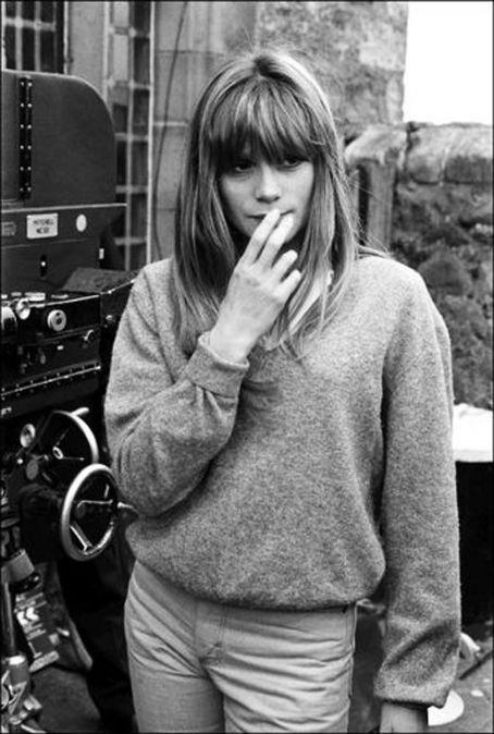 Françoise Dorléac en 1965 sur le tournage de Cul-de-sac, Roman Polanski.