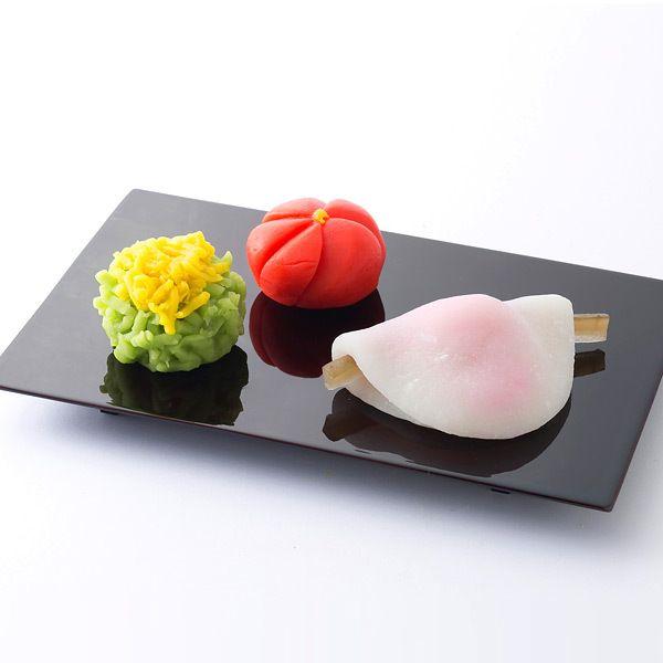 新春を彩る「上生菓子」と京都のお正月にはかかせない「はなびら餅」をセットに。【新春菓詰合せ】∥LOVE the はなびら餅!初釜には欠かせません <3 ... Beautiful Japanese sweets ~lisa