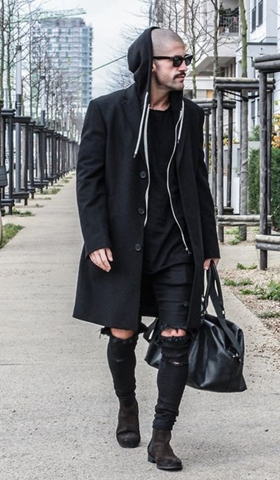 Can men's fashion get any worse??   Looks like a drag-queen bag lady!