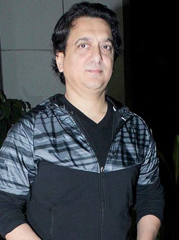 Work comes first for Sajid Nadiadwala! - http://www.bolegaindia.com/gossips/Work_comes_first_for_Sajid_Nadiadwala-gid-35849-gc-6.html