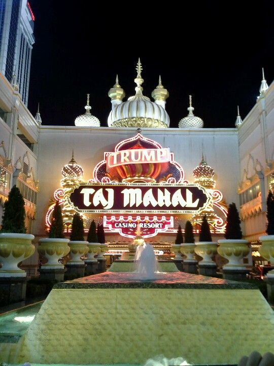 Few places in Atlantic City are as photographed as the valet entrance of the Taj Mahal. Visit at night when you will be dazzled by an over-the-top array of light. Walk up to Pacific Avenue to capture the best shot.