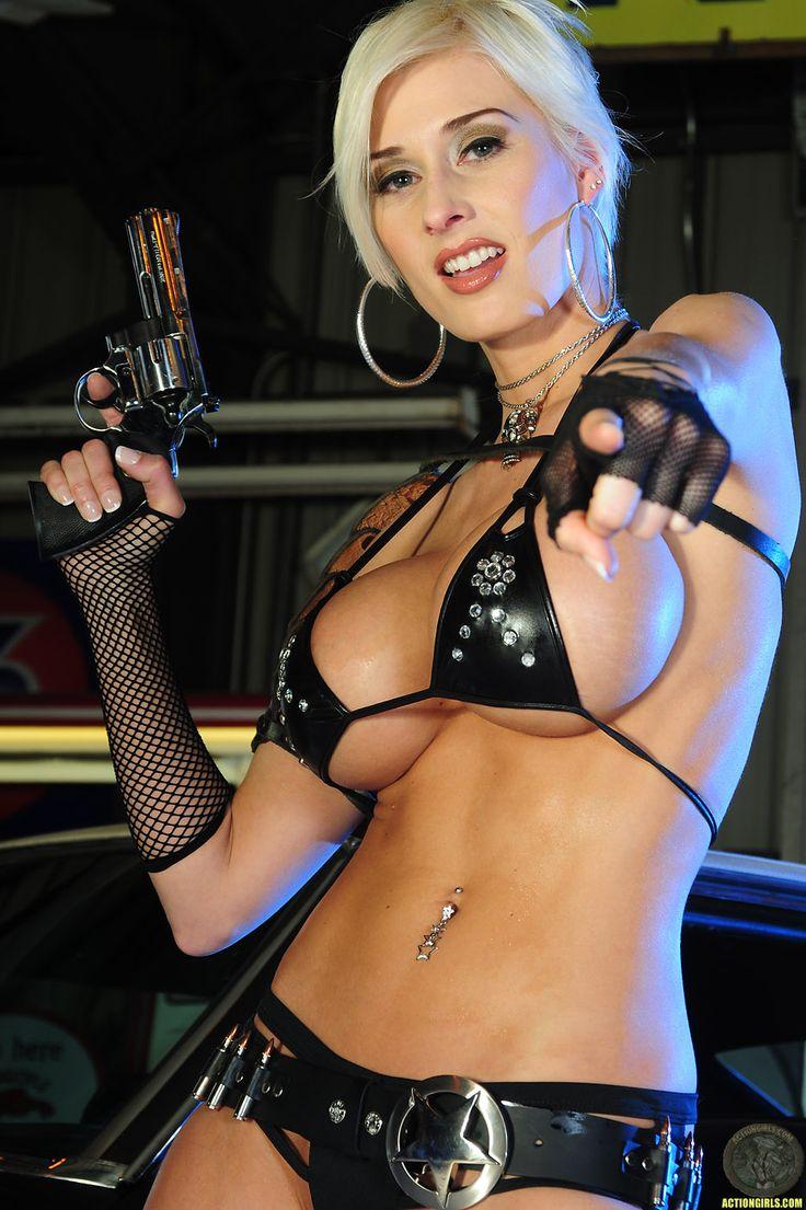 https://i.pinimg.com/736x/6f/62/aa/6f62aa405ba17a6a617c3ee580c0998d--guns-girls-girls-girls-girls.jpg
