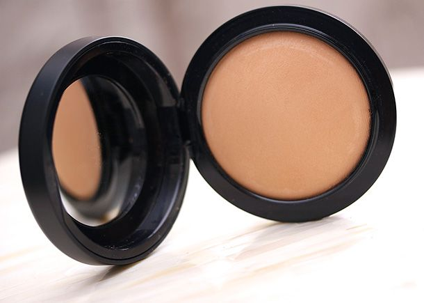 """If you and I were at a MAC counter at this very moment, and you asked me, """"What's your favorite, best-of-the-best, most natural-looking, comfortable MAC face powder available now?"""" I'd say one thing: the MAC Mineralize Skin Finish Naturals."""