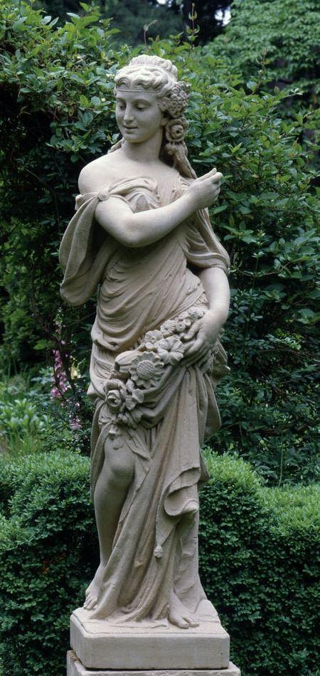 Blyth Maiden Statue