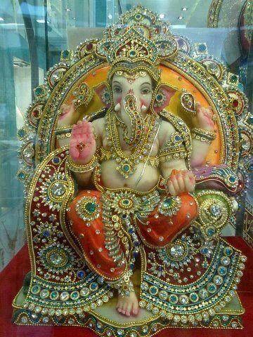 http://4.bp.blogspot.com/-F6qD59tDo8I/UFf-ehjz--I/AAAAAAAAAvs/XEDn4mKhlek/s1600/Ganesh1.jpg