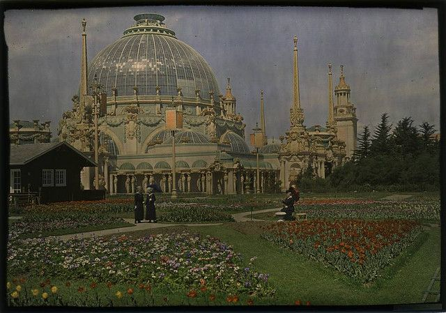 A real color photograph, not hand tinted, of the Palace of Horticulture at the Panama Pacific International Exposition of 1915.