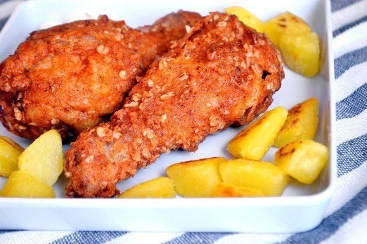 Куриные ножки (а-ля KFС).   Отличный рецепт приготовления хрустящих куриных ножек в двойной панировке с овсянкой.   Ингредиенты  Для ножек:  6 шт. курица (ножки)  2 шт. куриное яйцо  2 ст.л. молоко  150 гр. мука  2 ч.л. чесночный порошок  1 ч.л. паприка  1 ч.л. перец (чёрный молотый)  2 ст.л. сухари (панировочные)  2 ст.л. овсяная крупа (овсянка)  1 ч.л. соль  по вкусу растительное масло  Для маринада:  1 ч.л. соль  3 ст.л. сок лимона  1 ч.л. перец (чили)  1 ч.л. перец (чёрный молотый)…