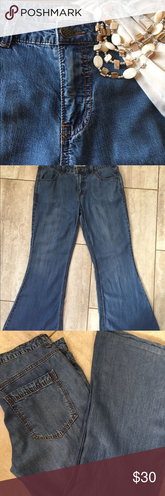 Free people jeans Free People flared jeans in a medium light wash . Very soft ! Free People Jeans Flare & Wide Leg