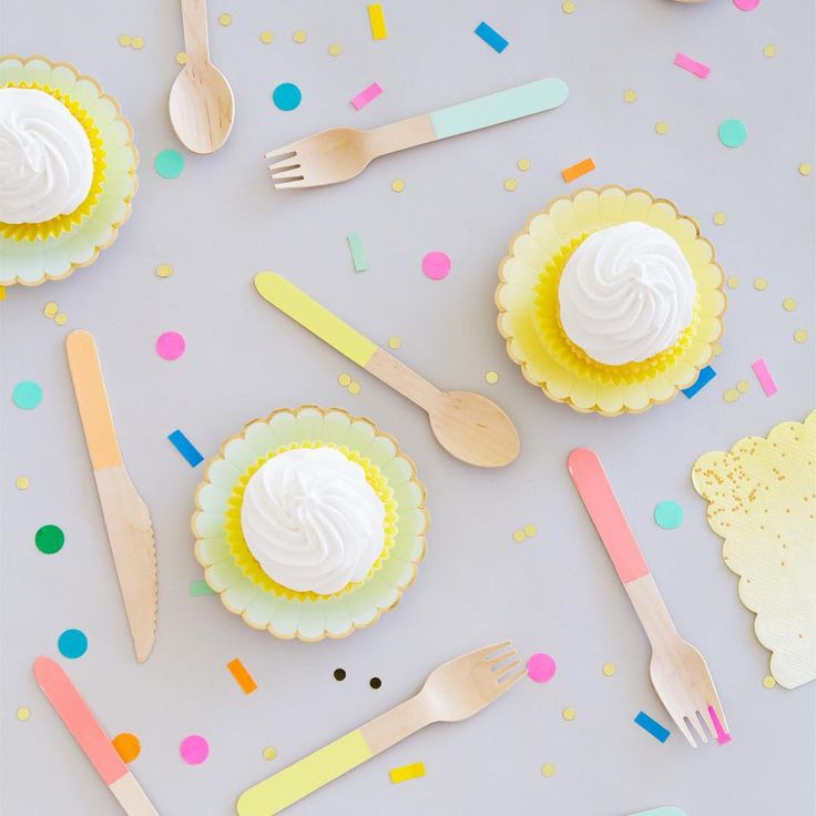 """""""Cupcakes with a side of sprinkles. @ohhappydaypartyshop shop.ohhappyday.com"""""""
