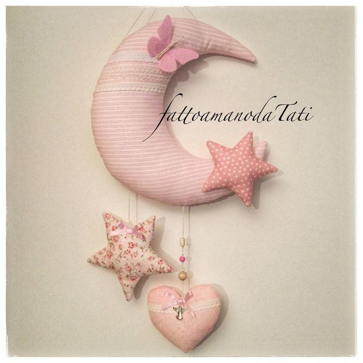 Fiocco nascita in cotone a forma di luna con cuore e stelle, by fattoamanodaTati, 36,00 € su misshobby.com