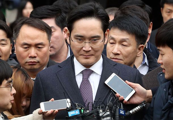 [BREAKING] Court denies Samsung chief's arrest for 'lack of evidence'