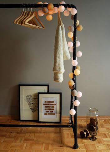 by pretty pleasure - połączenie ciepłych, świetlistych kolorów, z naturalną szarością i przyjemnym beżem przywołującym na myśl wypłukane przez morze drewno. Skandynawska prostota w delikatnym wydaniu.