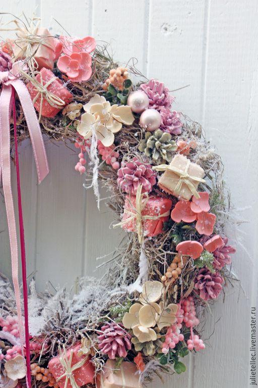 Купить Рождественский венок Joyeux Noel - розовый, рождественский венок, венок на дверь, Тренд сезона