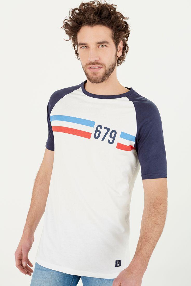 Camiseta manga corta ranglan contraste skate fit con raya estampada en el pecho.   Camisetas   Springfield