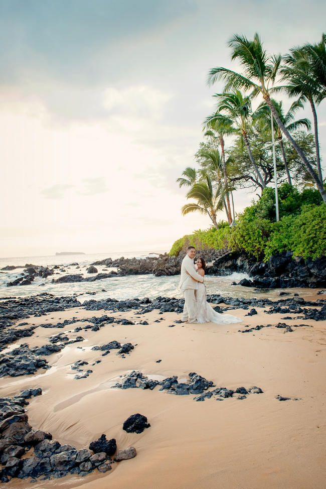 Couple Portraits - Maui Beach Wedding // Rustic Coral & Mint Destination…