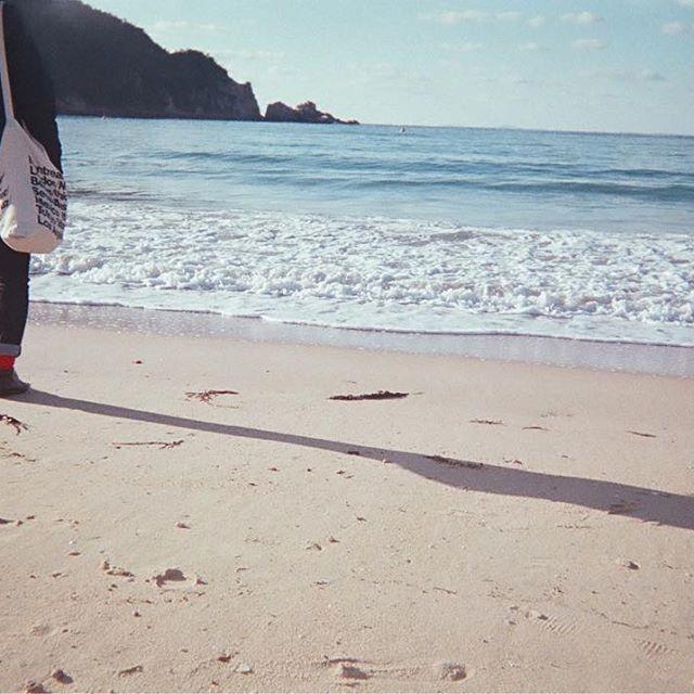 【ys_cmr】さんのInstagramをピンしています。 《. 友達の赤ソックス 可愛かったなぁ。🌹 . . . . #写ルンです #フィルム #フィルムカメラ #フィルムカメラ普及委員会 #福岡 #糸島 #九州 #カメラ #カメラ部 #フジフィルム #カメラ好きな人と繋がりたい #フィルムに恋してる #フィルム部 #写真 #お洒落さんと繋がりたい #海#fukuoka #itoshima #japan #film #filmphotography  #filmcamera #camera #fujifilm #fashion》